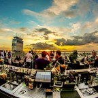 Club Weekend Berlin Heartbreaks & Promises. 90s R&B & Pop Songs. Rooftop+Club