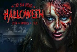 Cap San Diego Hamburg Halloween auf der Cap San Diego im dunklen Hamburger Hafen