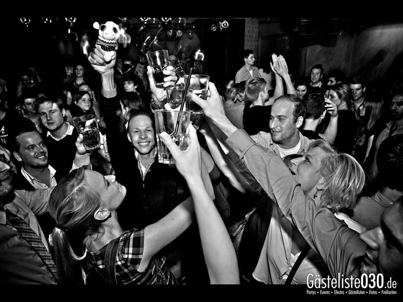 https://www.gaesteliste030.de/Partyfoto #85 Asphalt Berlin vom 18.10.2013