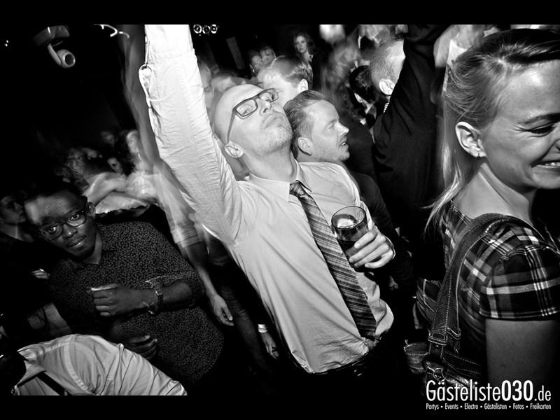 https://www.gaesteliste030.de/Partyfoto #83 Asphalt Berlin vom 18.10.2013