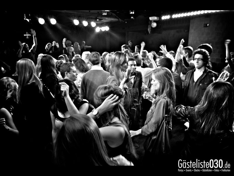 https://www.gaesteliste030.de/Partyfoto #32 Asphalt Berlin vom 18.10.2013