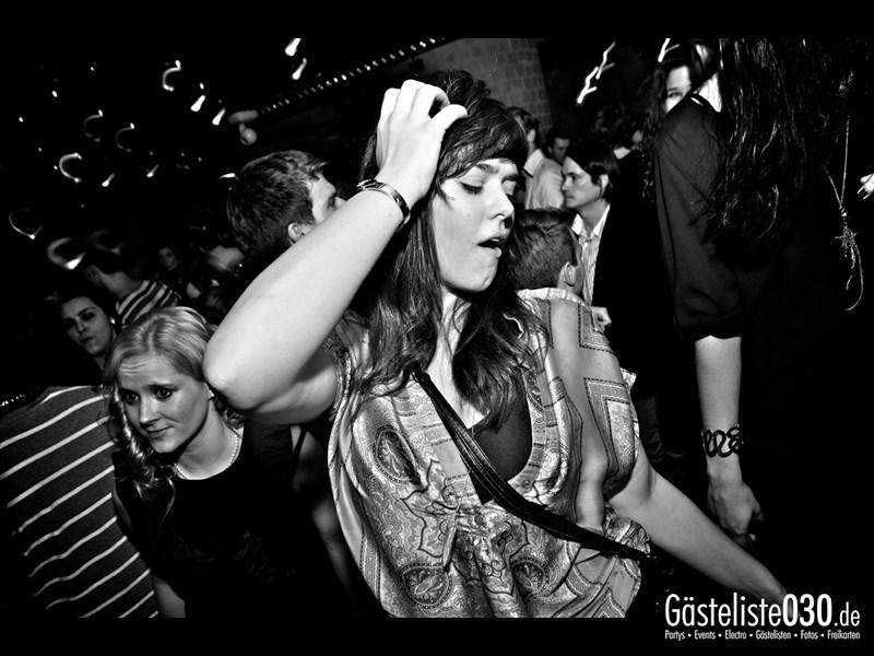 https://www.gaesteliste030.de/Partyfoto #92 Asphalt Berlin vom 18.10.2013
