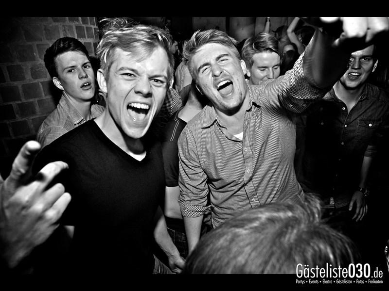 https://www.gaesteliste030.de/Partyfoto #45 Asphalt Berlin vom 18.10.2013