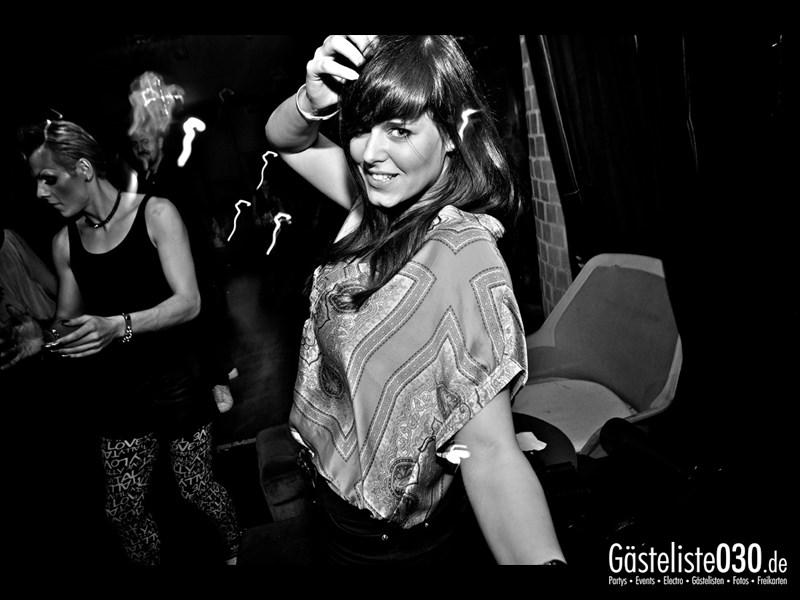 https://www.gaesteliste030.de/Partyfoto #42 Asphalt Berlin vom 18.10.2013