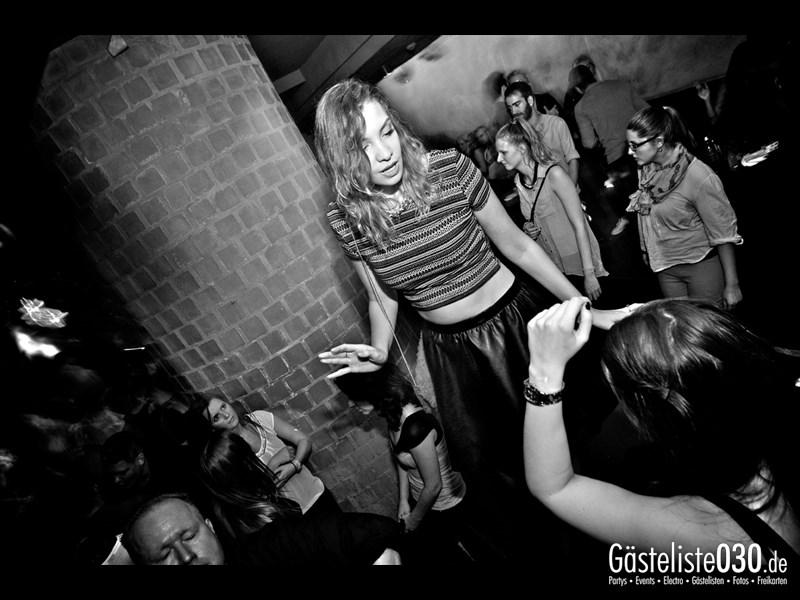 https://www.gaesteliste030.de/Partyfoto #99 Asphalt Berlin vom 18.10.2013