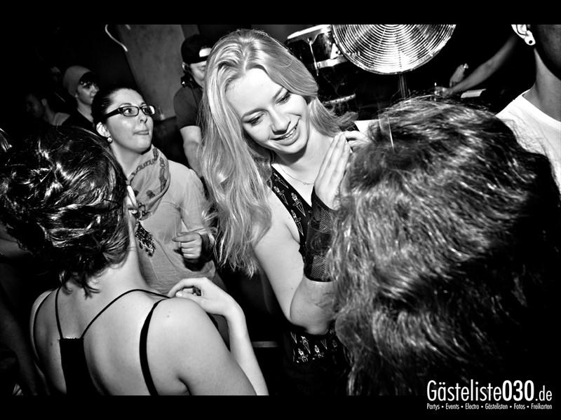 https://www.gaesteliste030.de/Partyfoto #79 Asphalt Berlin vom 18.10.2013