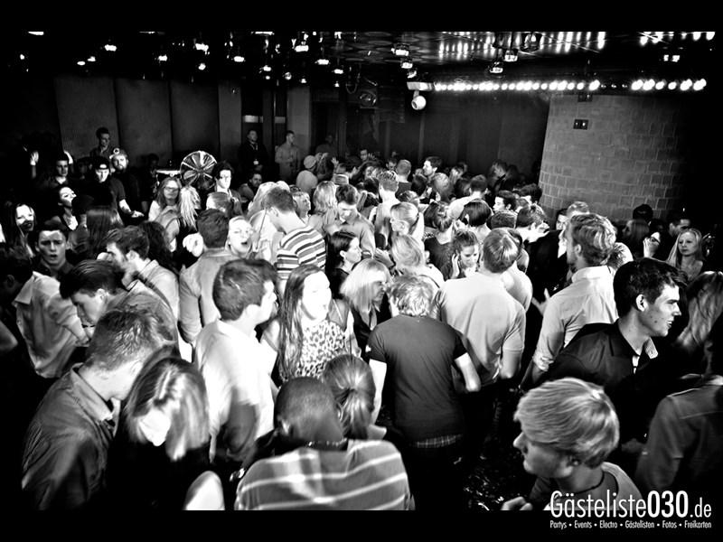 https://www.gaesteliste030.de/Partyfoto #94 Asphalt Berlin vom 18.10.2013