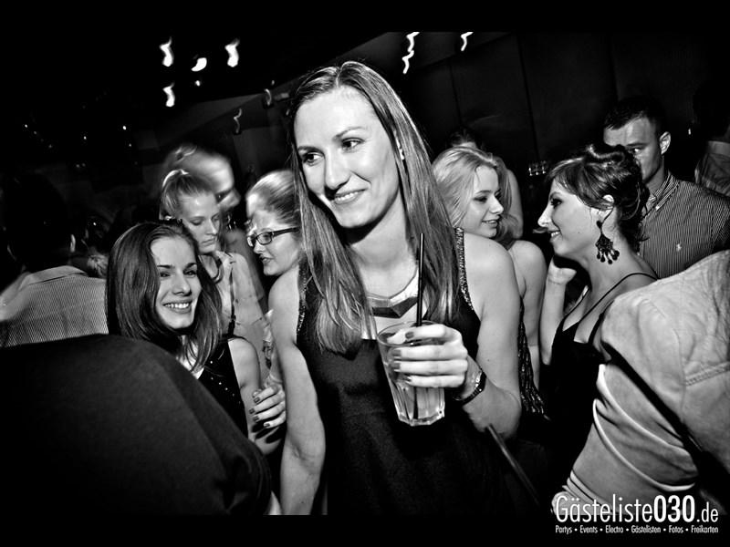 https://www.gaesteliste030.de/Partyfoto #77 Asphalt Berlin vom 18.10.2013