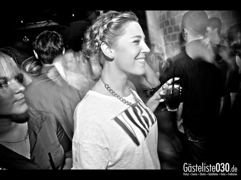 https://www.gaesteliste030.de/Partyfoto #82 Asphalt Berlin vom 18.10.2013