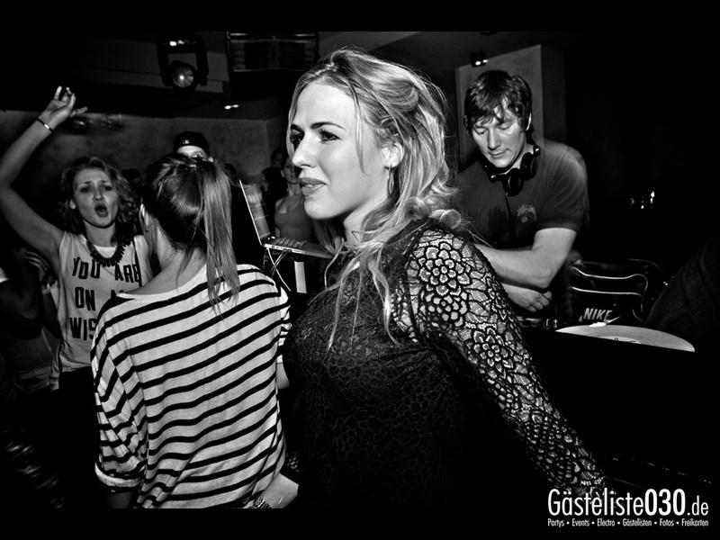 https://www.gaesteliste030.de/Partyfoto #54 Asphalt Berlin vom 18.10.2013