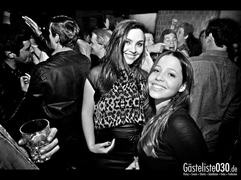 https://www.gaesteliste030.de/Partyfoto #75 Asphalt Berlin vom 18.10.2013