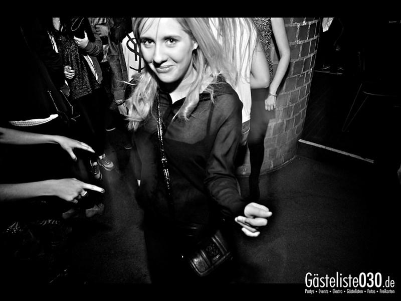 https://www.gaesteliste030.de/Partyfoto #27 Asphalt Berlin vom 18.10.2013