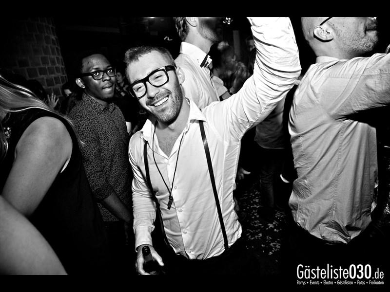 https://www.gaesteliste030.de/Partyfoto #87 Asphalt Berlin vom 18.10.2013