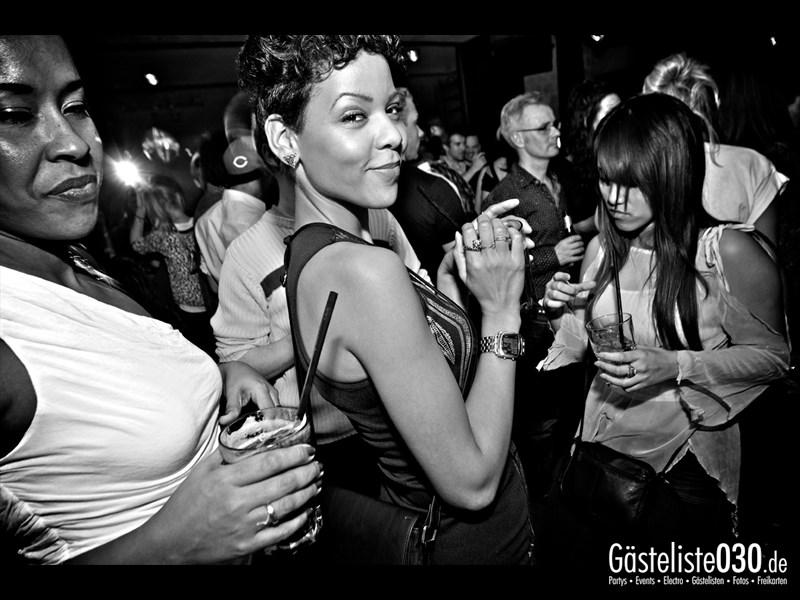 https://www.gaesteliste030.de/Partyfoto #82 Asphalt Berlin vom 10.10.2013