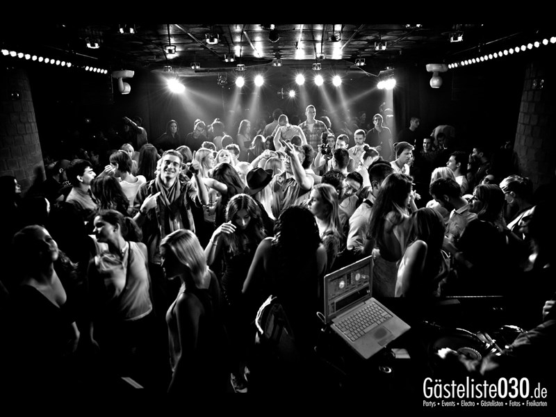 https://www.gaesteliste030.de/Partyfoto #28 Asphalt Berlin vom 10.10.2013