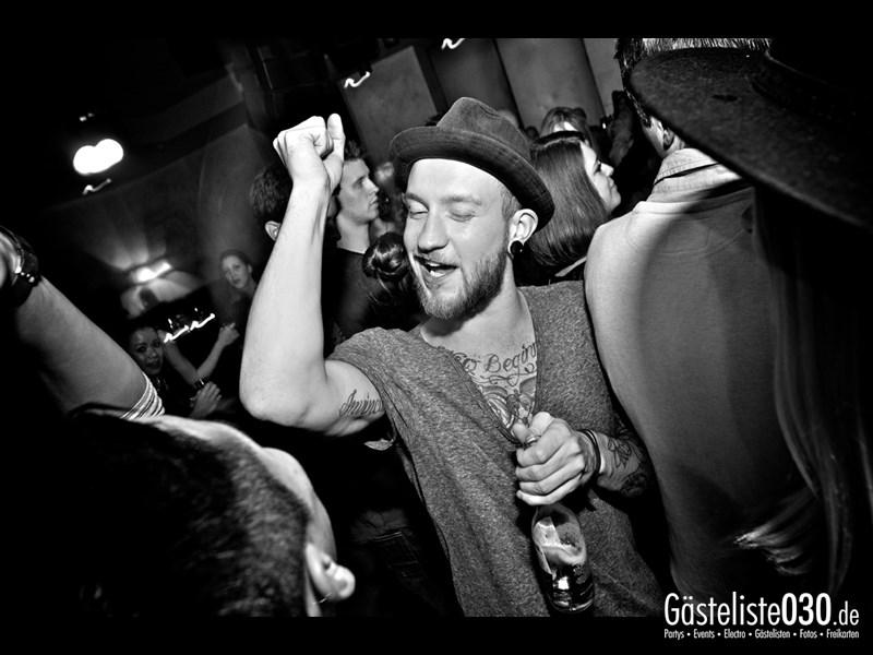 https://www.gaesteliste030.de/Partyfoto #32 Asphalt Berlin vom 10.10.2013