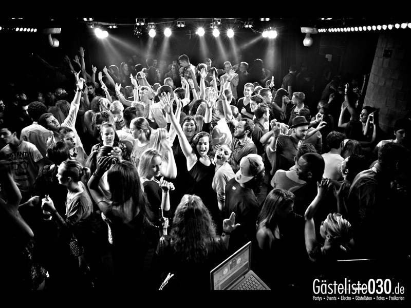 https://www.gaesteliste030.de/Partyfoto #67 Asphalt Berlin vom 10.10.2013