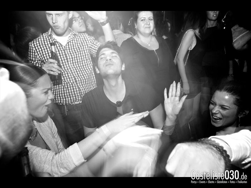 https://www.gaesteliste030.de/Partyfoto #20 Asphalt Berlin vom 10.10.2013
