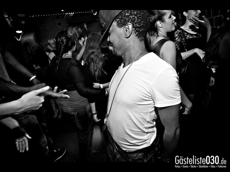 https://www.gaesteliste030.de/Partyfoto #30 Asphalt Berlin vom 10.10.2013