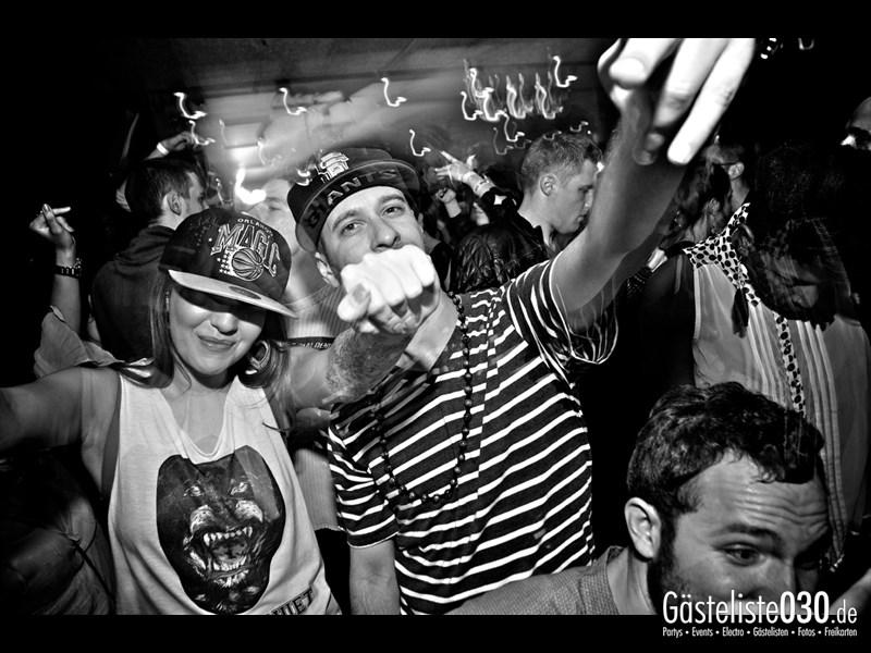 https://www.gaesteliste030.de/Partyfoto #103 Asphalt Berlin vom 10.10.2013