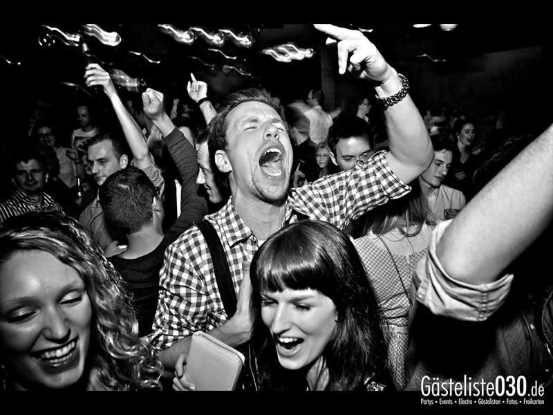 https://www.gaesteliste030.de/Partyfoto #100 Asphalt Berlin vom 19.10.2013
