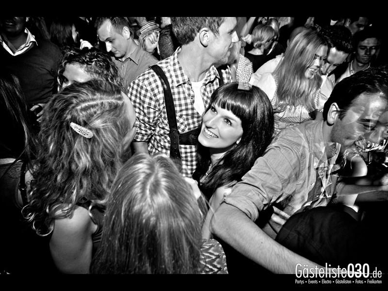 https://www.gaesteliste030.de/Partyfoto #102 Asphalt Berlin vom 19.10.2013
