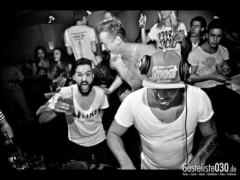 https://www.gaesteliste030.de/Partyfoto #124 Asphalt Berlin vom 19.10.2013