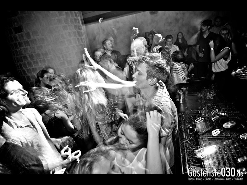https://www.gaesteliste030.de/Partyfoto #51 Asphalt Berlin vom 19.10.2013