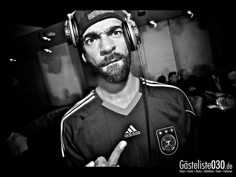 https://www.gaesteliste030.de/Partyfoto #74 Asphalt Berlin vom 03.10.2013