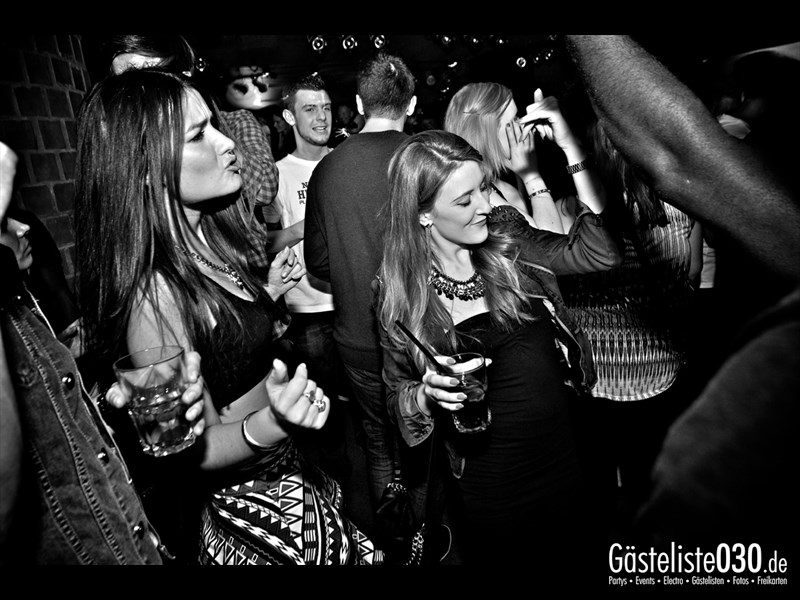 https://www.gaesteliste030.de/Partyfoto #32 Asphalt Berlin vom 03.10.2013