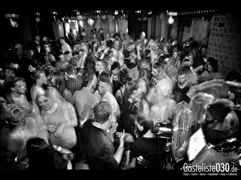 https://www.gaesteliste030.de/Partyfoto #13 Asphalt Berlin vom 03.10.2013