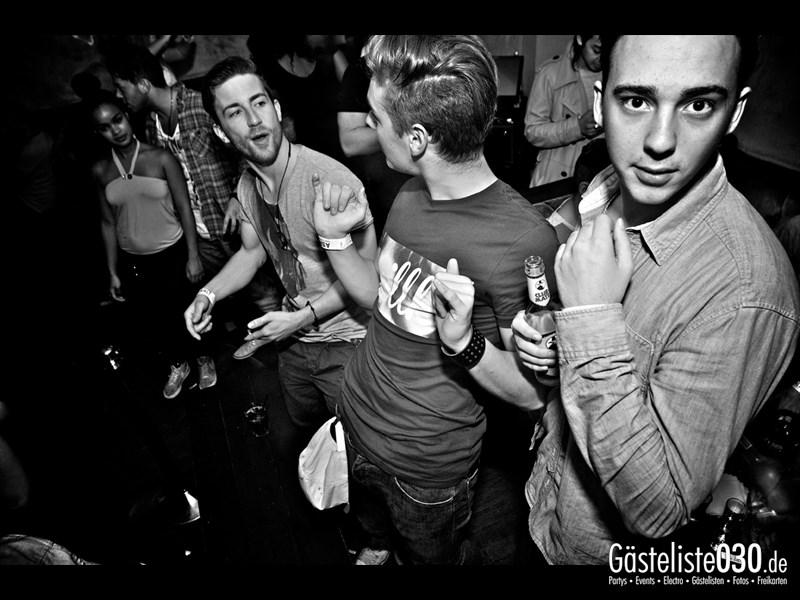 https://www.gaesteliste030.de/Partyfoto #10 Asphalt Berlin vom 03.10.2013
