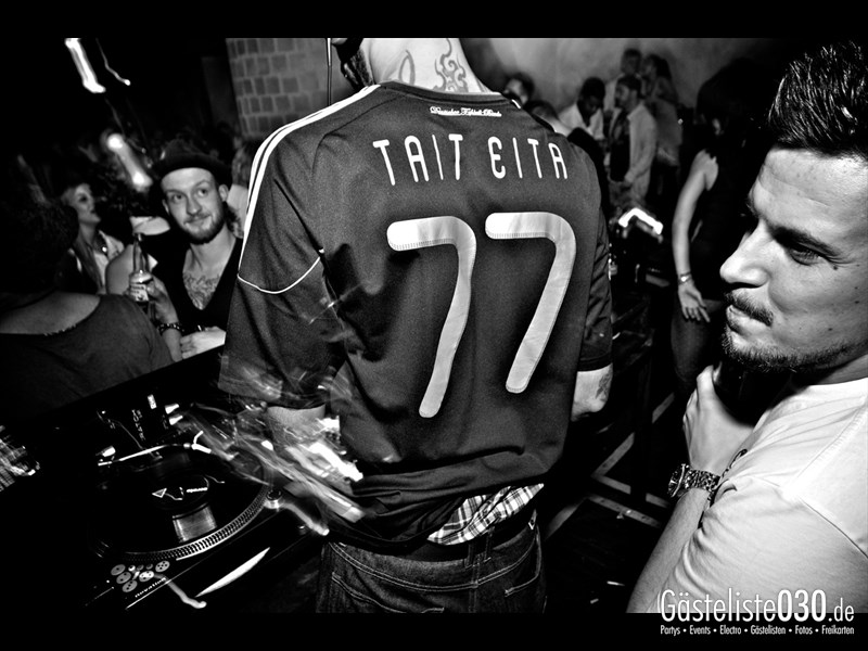 https://www.gaesteliste030.de/Partyfoto #38 Asphalt Berlin vom 03.10.2013