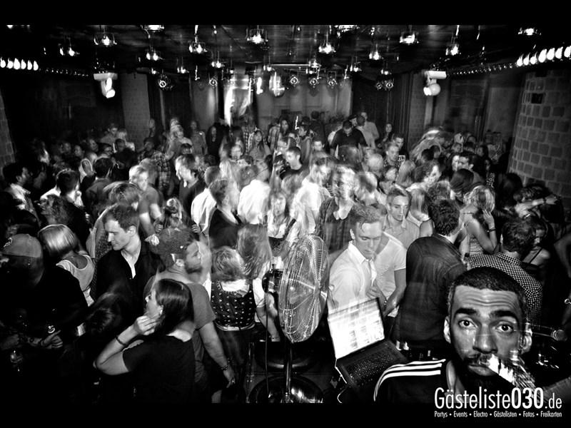https://www.gaesteliste030.de/Partyfoto #25 Asphalt Berlin vom 03.10.2013