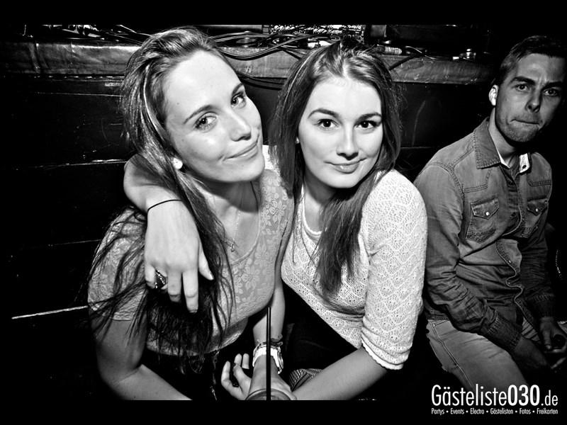 https://www.gaesteliste030.de/Partyfoto #91 Asphalt Berlin vom 03.10.2013