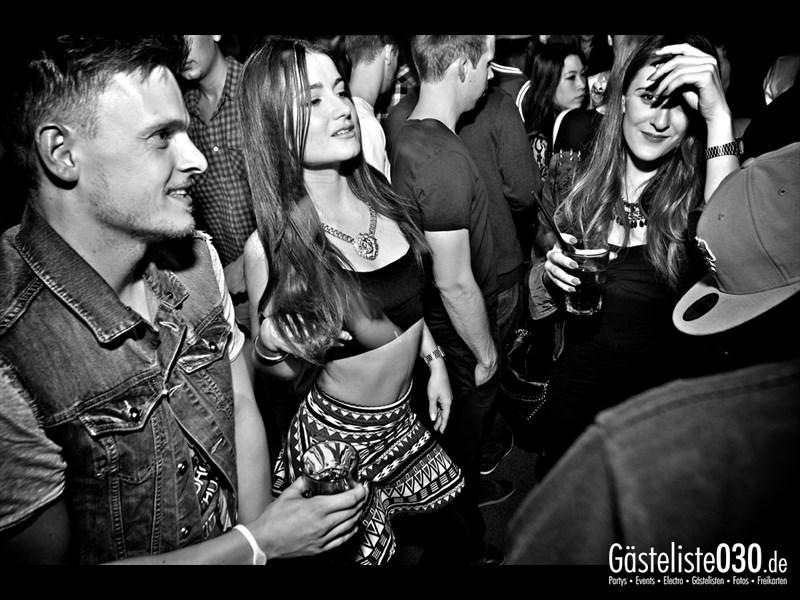 https://www.gaesteliste030.de/Partyfoto #35 Asphalt Berlin vom 03.10.2013