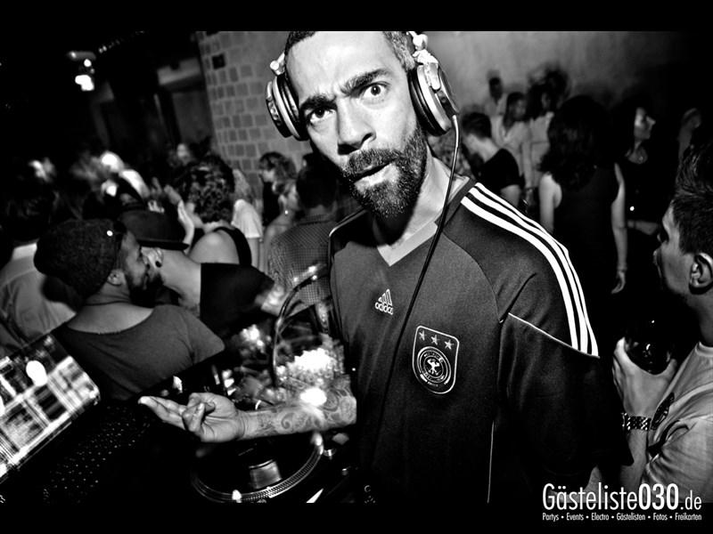 https://www.gaesteliste030.de/Partyfoto #37 Asphalt Berlin vom 03.10.2013