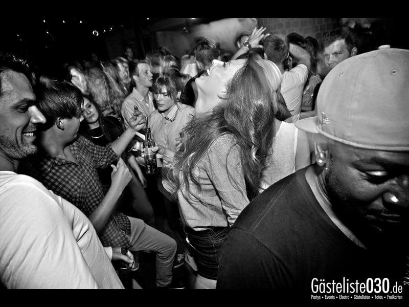 https://www.gaesteliste030.de/Partyfoto #20 Asphalt Berlin vom 03.10.2013