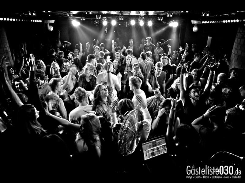 https://www.gaesteliste030.de/Partyfoto #8 Asphalt Berlin vom 03.10.2013