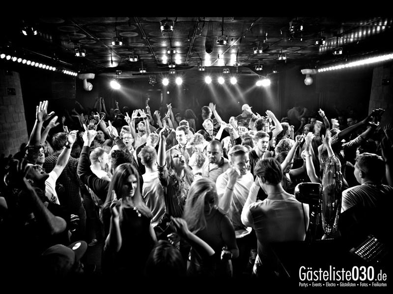 https://www.gaesteliste030.de/Partyfoto #9 Asphalt Berlin vom 03.10.2013