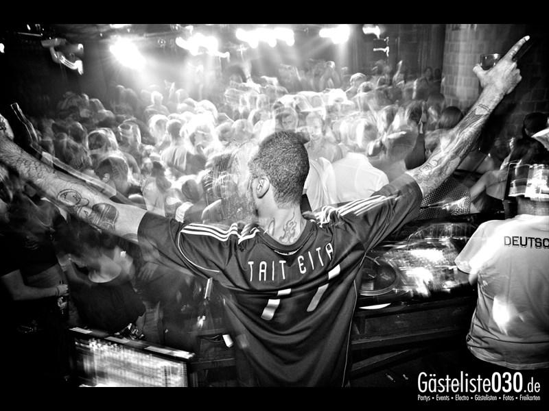 https://www.gaesteliste030.de/Partyfoto #23 Asphalt Berlin vom 03.10.2013