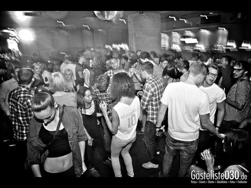 https://www.gaesteliste030.de/Partyfoto #95 Asphalt Berlin vom 03.10.2013