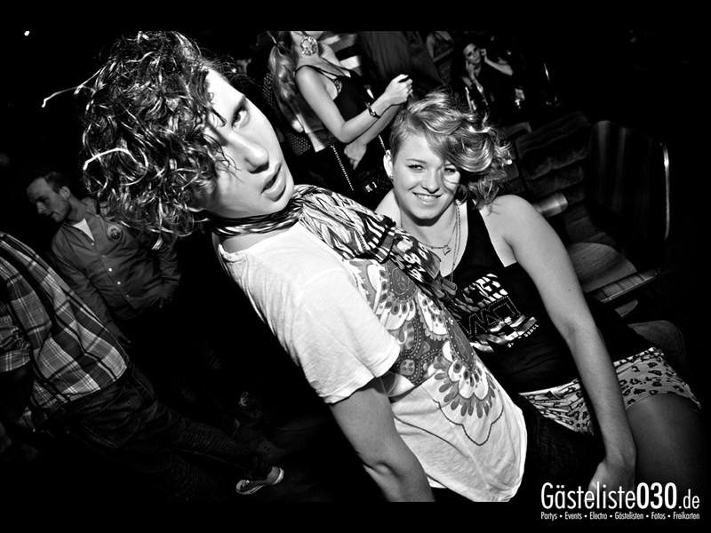 https://www.gaesteliste030.de/Partyfoto #17 Asphalt Berlin vom 03.10.2013