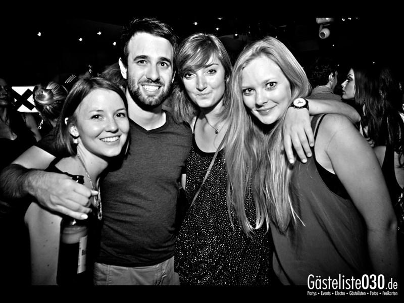 https://www.gaesteliste030.de/Partyfoto #40 Asphalt Berlin vom 03.10.2013