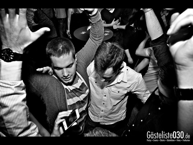 https://www.gaesteliste030.de/Partyfoto #5 Asphalt Berlin vom 11.10.2013