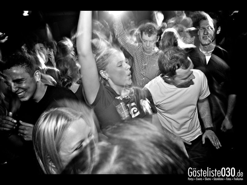 https://www.gaesteliste030.de/Partyfoto #81 Asphalt Berlin vom 11.10.2013