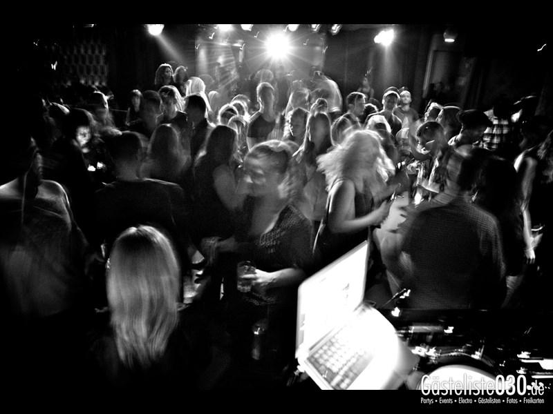 https://www.gaesteliste030.de/Partyfoto #28 Asphalt Berlin vom 11.10.2013