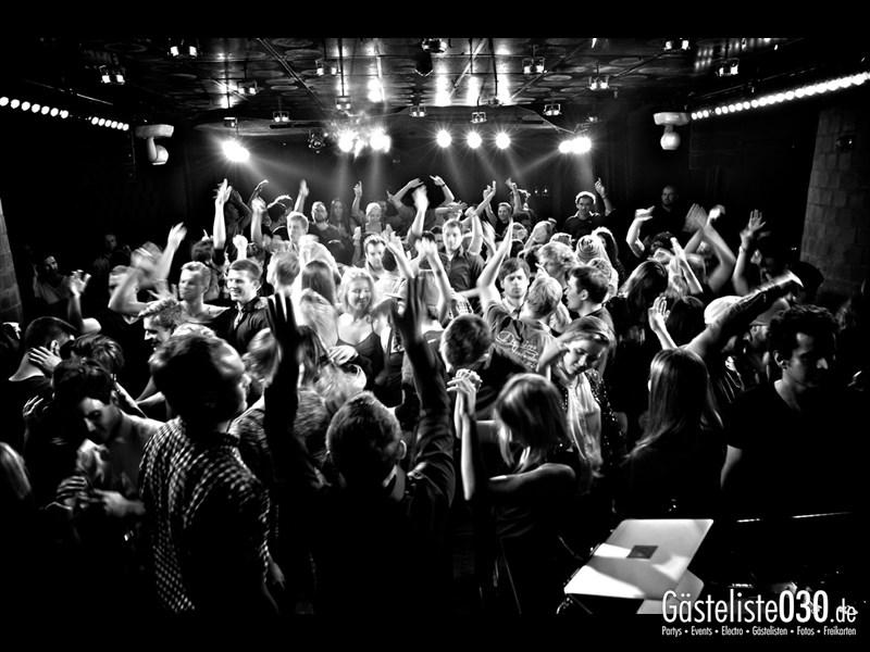 https://www.gaesteliste030.de/Partyfoto #74 Asphalt Berlin vom 11.10.2013