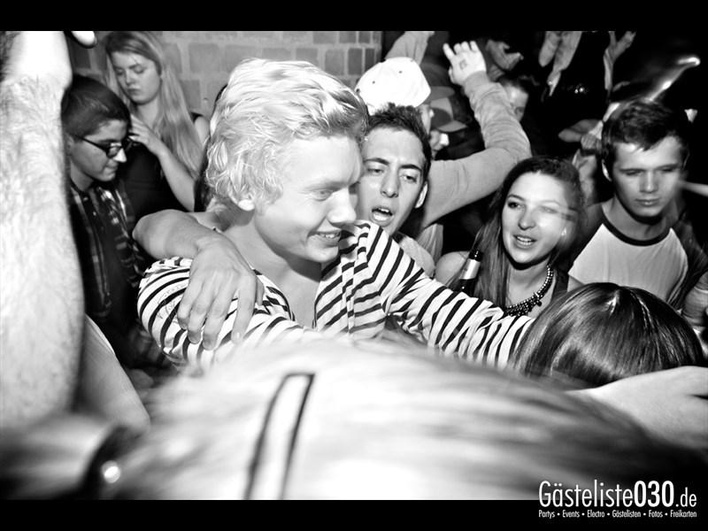 https://www.gaesteliste030.de/Partyfoto #94 Asphalt Berlin vom 11.10.2013