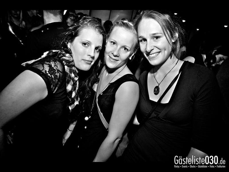 https://www.gaesteliste030.de/Partyfoto #43 Asphalt Berlin vom 11.10.2013